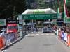 Die Zieleinfahrt der härtesten Etappe der heurigen Transalp Challenge in Ponte di Legno